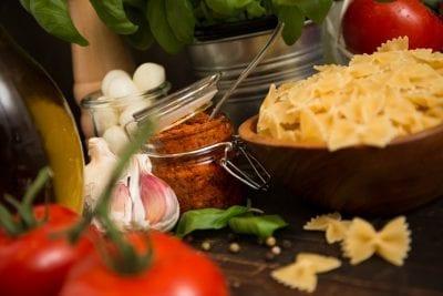 Pasta mit Tomaten-Pesto soll es geben
